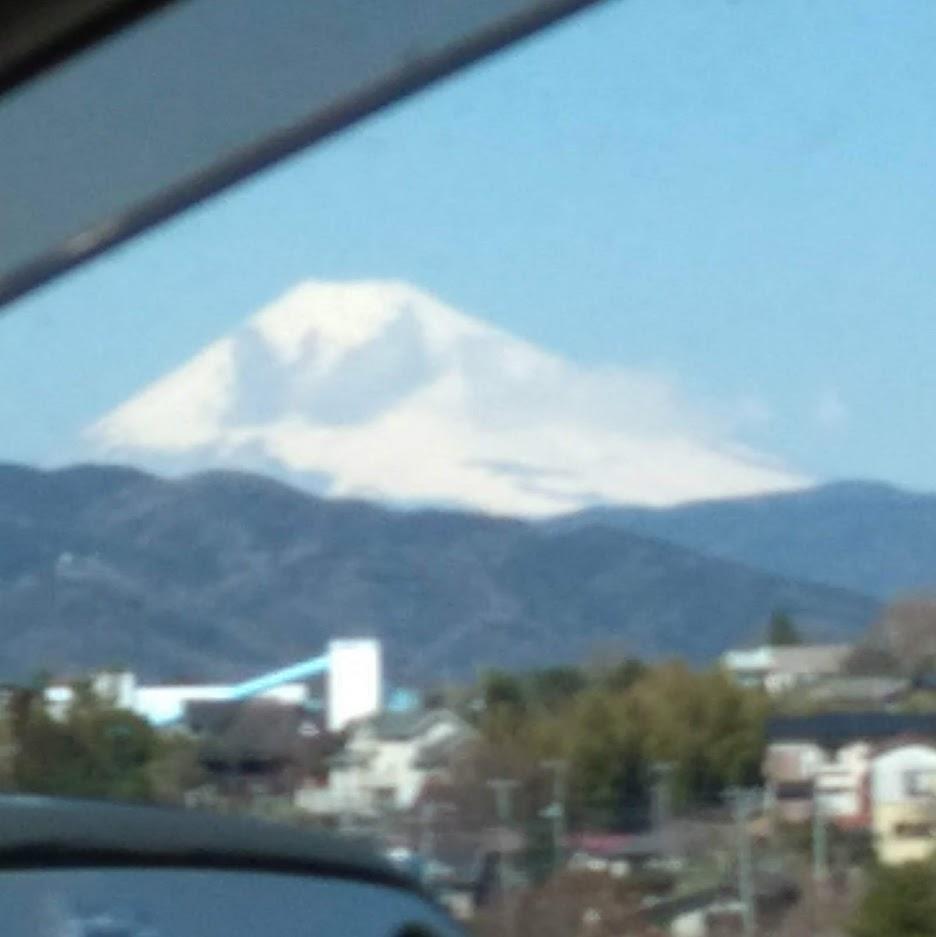 富士山が真っ白~